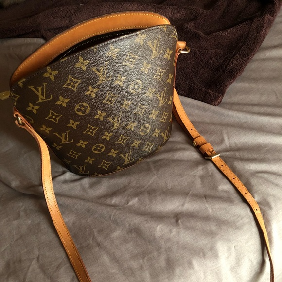 4b0df16ba1d2 Louis Vuitton Handbags - Louis Vuitton Drouot